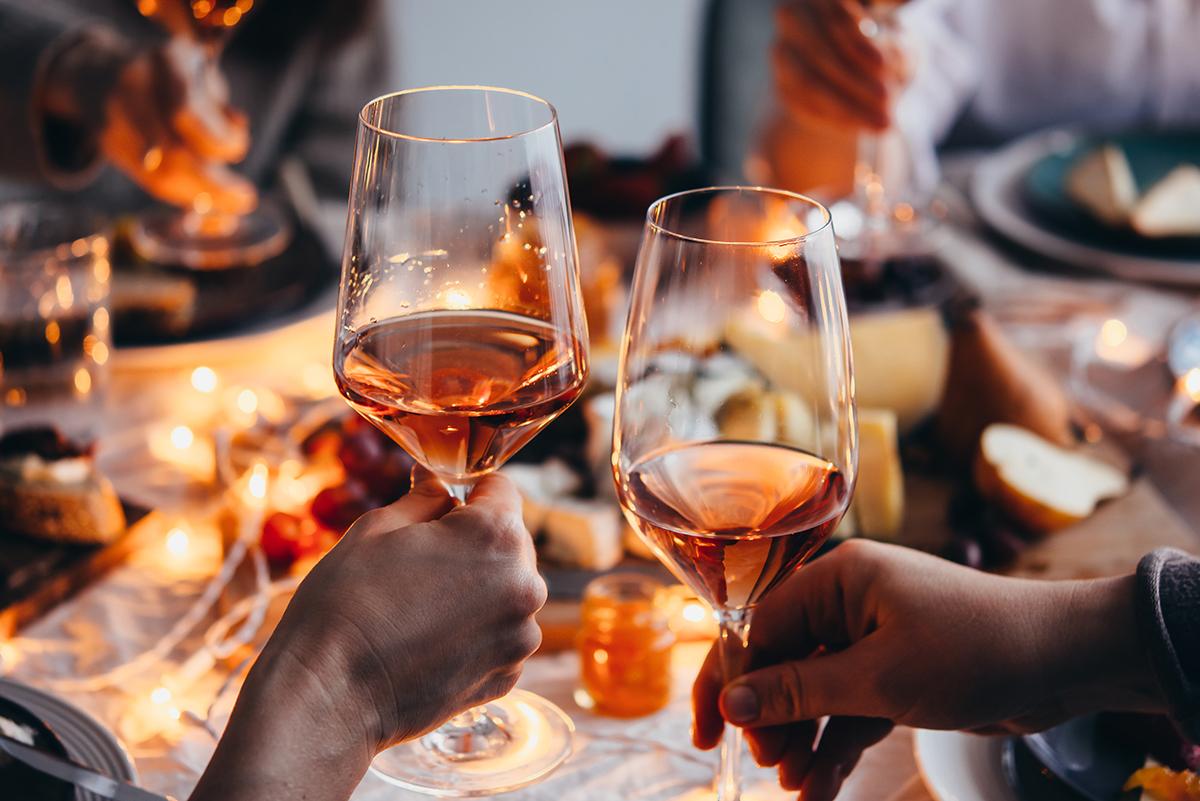 Im Online-Shop vom Weingut Schauss aus Monzingen können Sie deutschen Roséwein kaufen